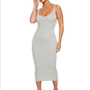 Dresses & Skirts - NWT NW Hourglass Midi Dress Grey S